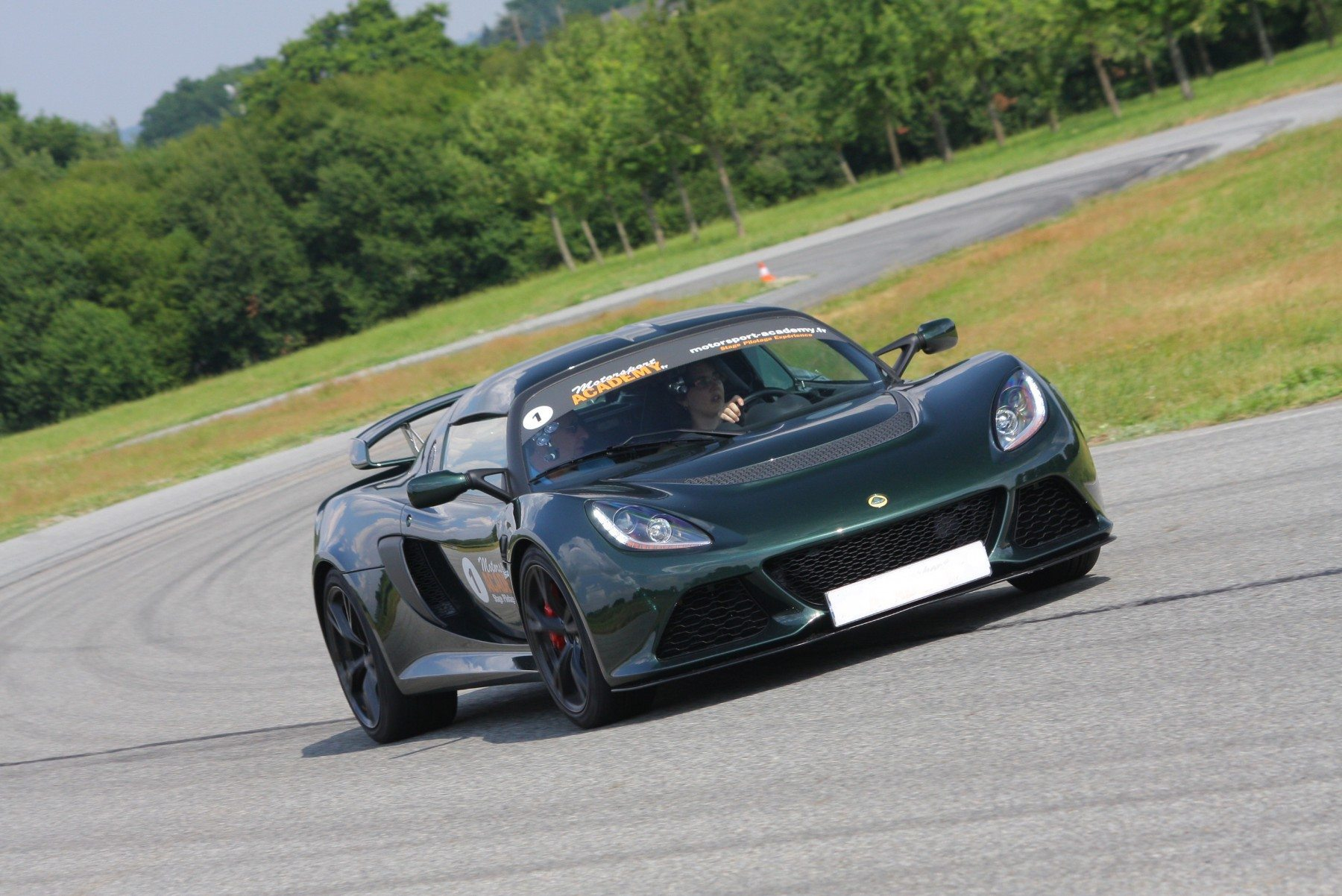 pilotage lotus exige s le mans maison blanche. Black Bedroom Furniture Sets. Home Design Ideas