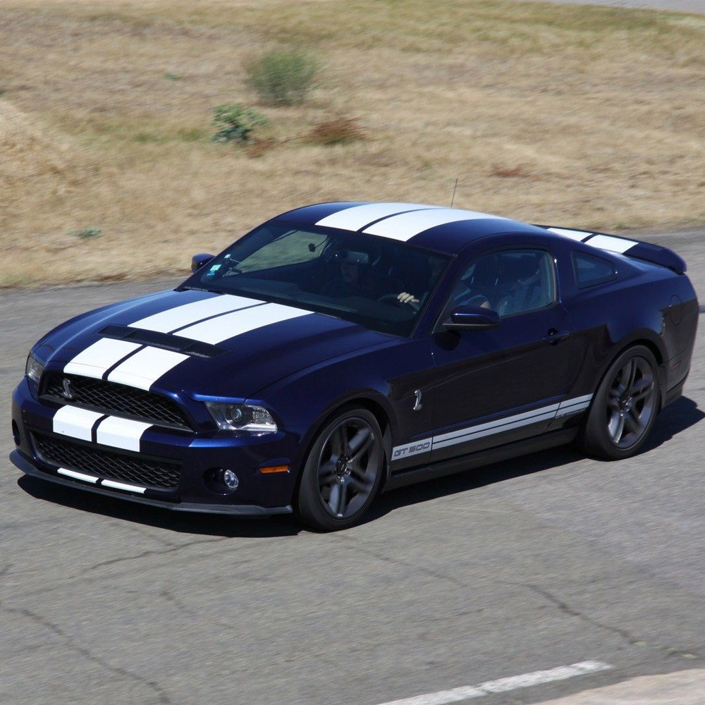 pilotage mustang shelby gt500 pont l 39 ev que. Black Bedroom Furniture Sets. Home Design Ideas