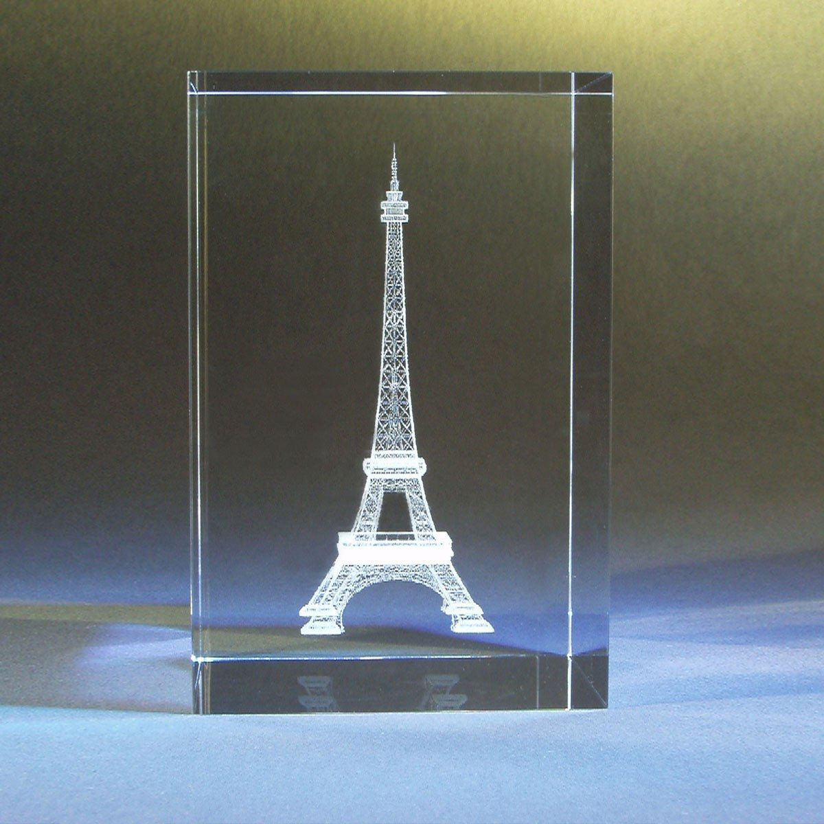 bloc de verre avec la tour eiffel en 3d et texte personnalis grav. Black Bedroom Furniture Sets. Home Design Ideas