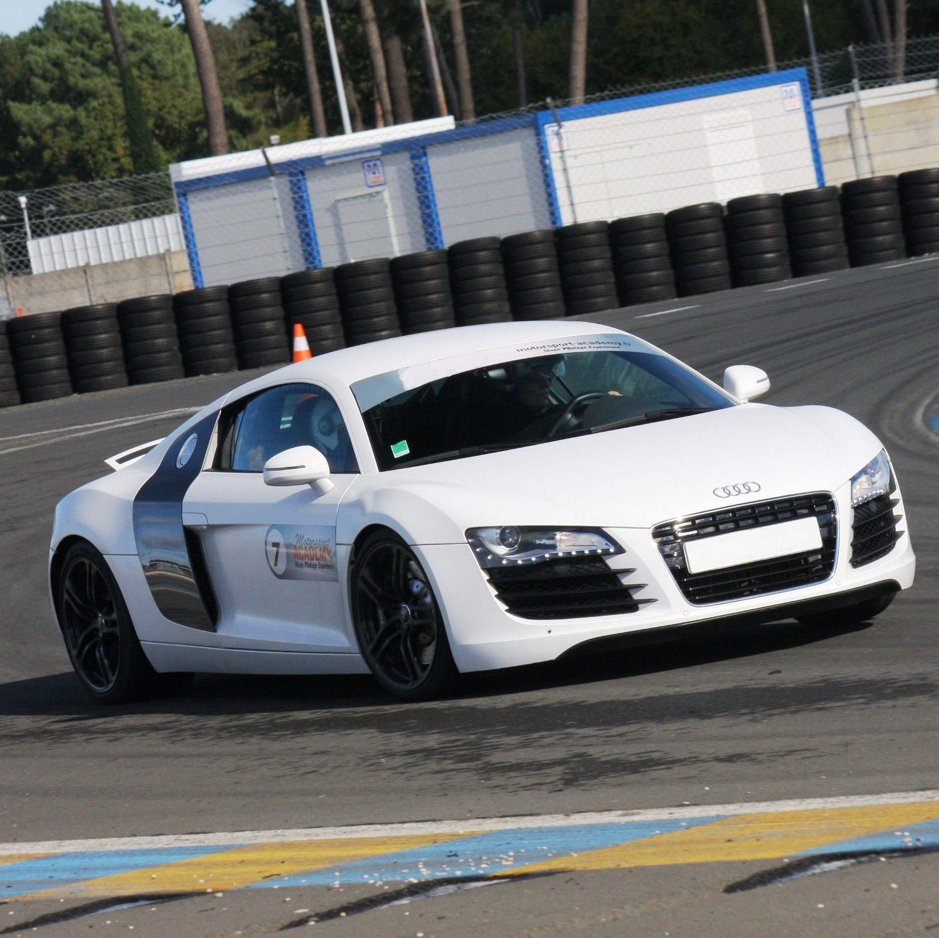 stage de pilotage audi r8 le mans maison blanche. Black Bedroom Furniture Sets. Home Design Ideas