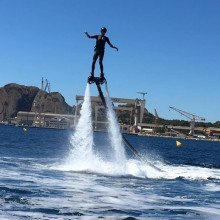 Initiation au flyboard près de Marseille cover